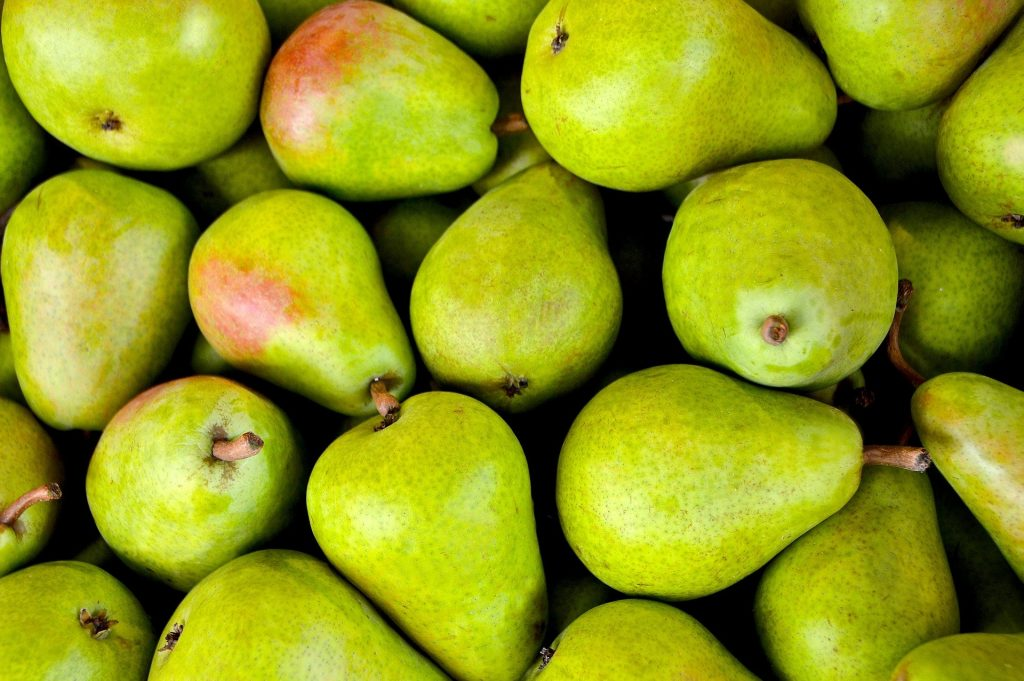 forelle pears in a tray